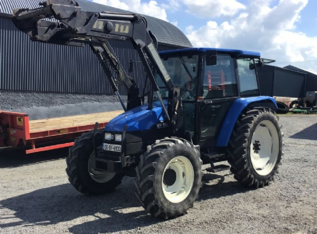 New Holland 5635 with Loader - SOLD